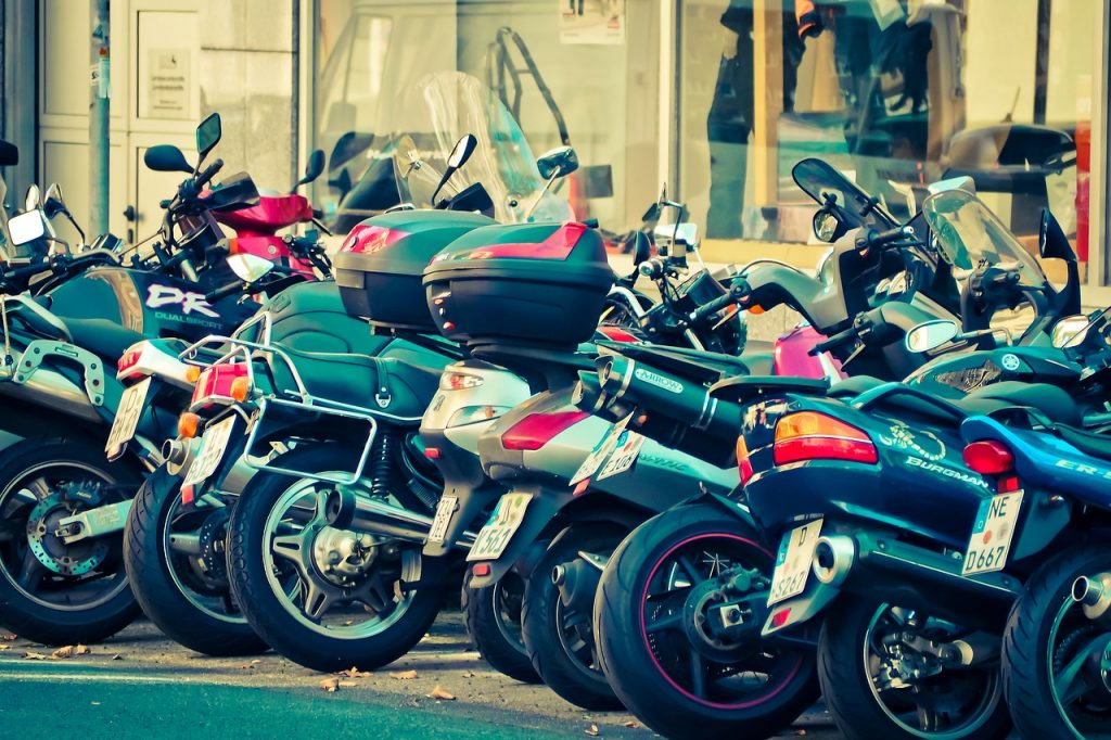 A korlátlan motoros jogosítvány szerzés menete és feltételei